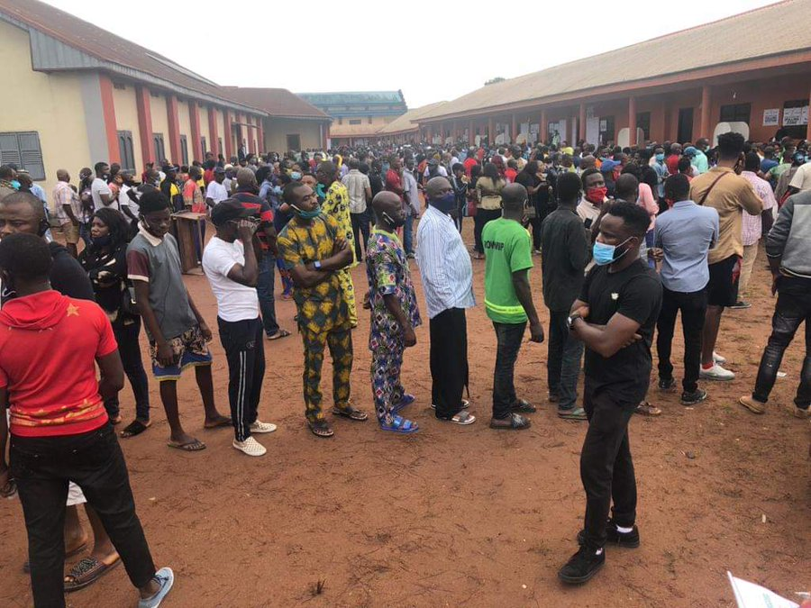 Voters turning out to vote during the Edo state elections